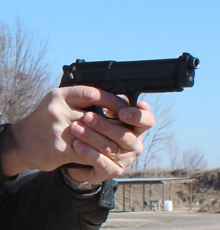 Shooting The Beretta 96-A1 .40 S&W Pistol