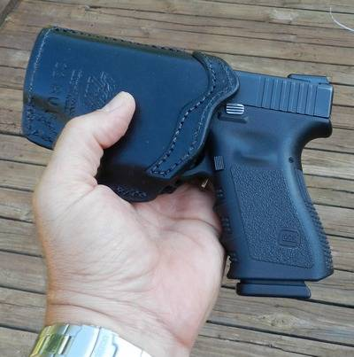FrontLine Holster For GLOCK In Hand