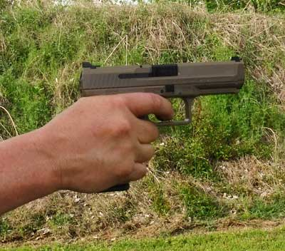 Canik TP9SF 9mm Pistol - how it fits an average size hand