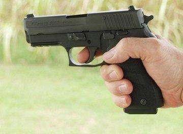 Sig Sauer P220 shooting grip