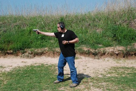 One Hand Shooting The Ruger SR9C