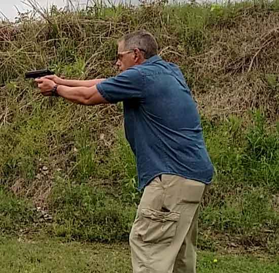 Shooting The Stoeger Cougar .40S&W