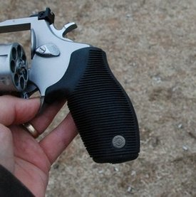Taurus 627 .357 Magnum Ribber Grip